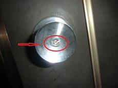 鍵穴で鍵が折れた