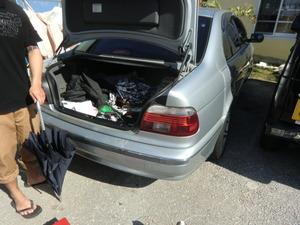 BMWトランクの鍵開け