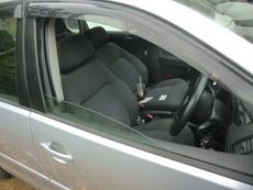 外車フォルクスワーゲン鍵の向きで窓が開く